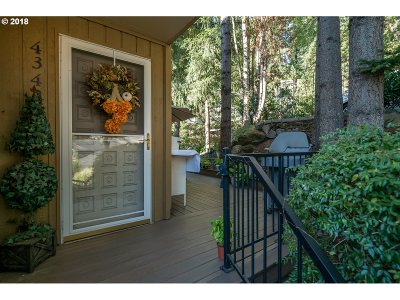 Lake Oswego Condo/Townhouse For Sale: 4342 Botticelli St