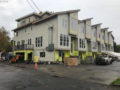 Multnomah County Condo/Townhouse For Sale: SE Lambert St