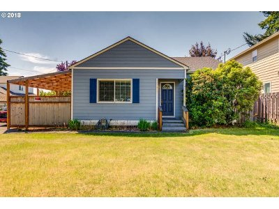 Portland Single Family Home For Sale: 2657 SE 118th Ave