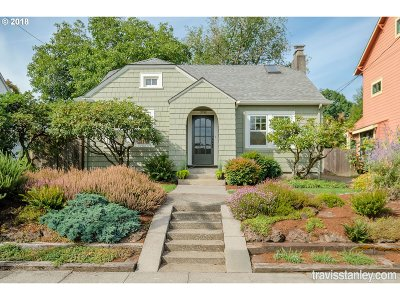 Portland Single Family Home For Sale: 7745 SE 18th Ave