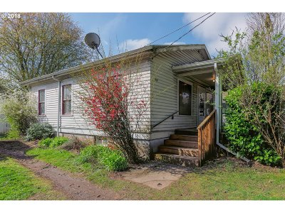 Milwaukie, Clackamas, Happy Valley Single Family Home For Sale: 4414 SE Monroe St