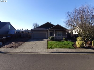 Aumsville Single Family Home Sold: 935 Highberger Loop