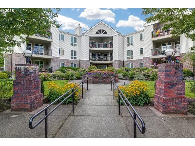 Portland Condo/Townhouse For Sale: 15530 NE Knott St #50