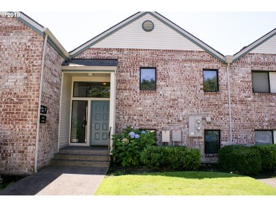 Tigard Condo/Townhouse For Sale: 16363 SW 130th Ter #98