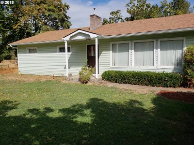 Riddle Single Family Home For Sale: 4173 Canyonville-Riddle Rd