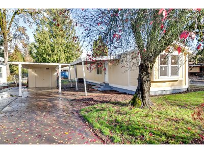 Woodburn Single Family Home For Sale: 3385 Linda St