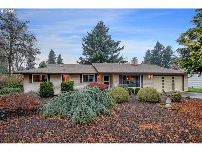 Vancouver Single Family Home For Sale: 10300 NE 8th St