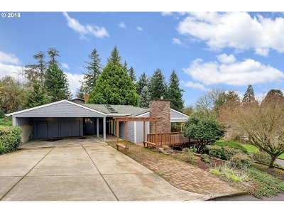 Lake Oswego Single Family Home For Sale: 1682 Fircrest Dr