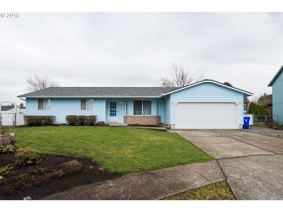 Gresham, Troutdale, Fairview Single Family Home For Sale: 600 NE Country Club Ave