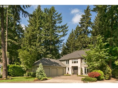 Lake Oswego Single Family Home For Sale: 16176 Matthew Ct