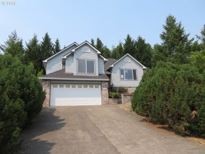 Sutherlin Single Family Home For Sale: 1853 E Sixth Ave
