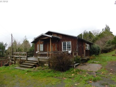 Coquille OR Single Family Home For Sale: $135,000