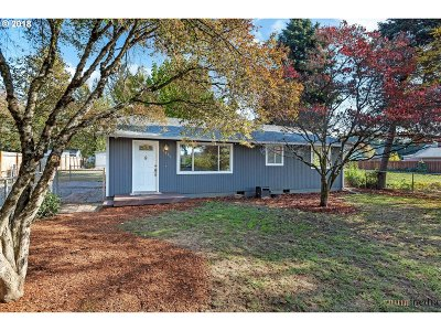Milwaukie Single Family Home For Sale: 9306 SE 55th Ave
