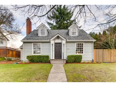 Portland Single Family Home For Sale: 4444 SE 30th Ave