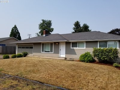 Springfield Single Family Home For Sale: 2868 Game Farm Rd