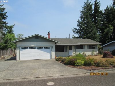 North Bend Single Family Home For Sale: 3860 Vista Dr