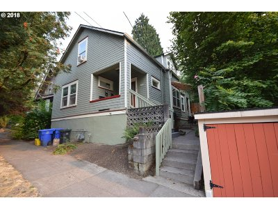 Portland Single Family Home For Sale: 1914 SE Oak St