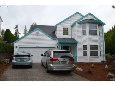 Clackamas Single Family Home For Sale: 15395 SE Bradford Rd