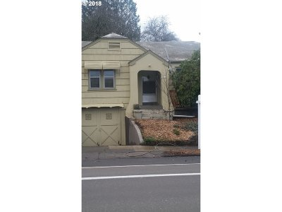 Portland Single Family Home For Sale: 3109 SE 52nd Ave
