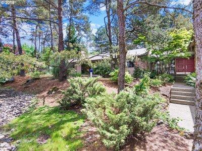 Single Family Home For Sale: 11200 SW Lynnridge Ave