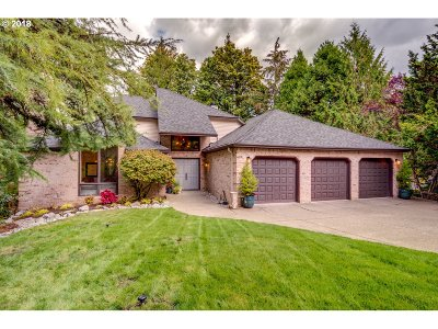 Lake Oswego Single Family Home For Sale: 639 Carrera Ln