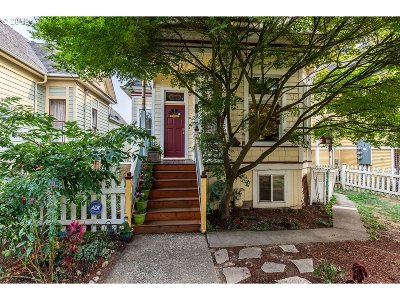 Portland Single Family Home For Sale: 600 NE Thompson St