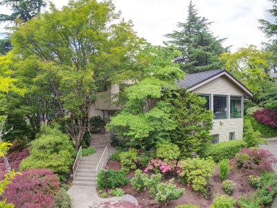 Portland Single Family Home For Sale: 2530 SW Scenic Dr