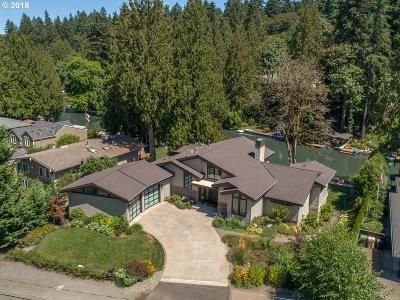 Single Family Home For Sale: 17388 Cedar Rd