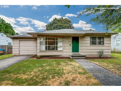 Beaverton Single Family Home For Sale: 4725 SW Larch Dr