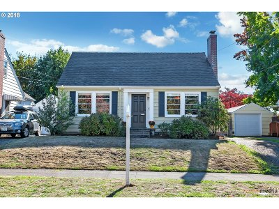 Single Family Home For Sale: 3636 SE Kelly St