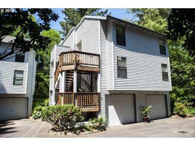 Lake Oswego Condo/Townhouse For Sale: 3672 Spring Ln #4A
