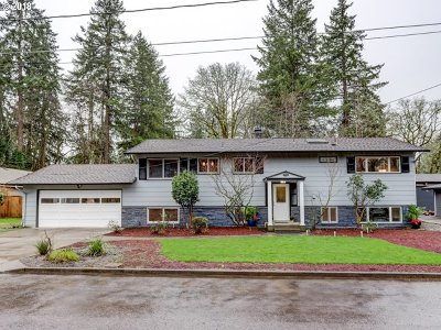 Milwaukie Single Family Home For Sale: 17041 SE Wiley Way
