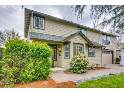 Canby Single Family Home Bumpable Buyer: 1504 N Hazelnut Ct