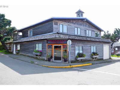 Gold Beach OR Commercial For Sale: $425,000