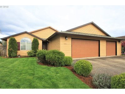 Canby Single Family Home For Sale: 1216 S Pine St