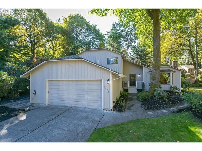 Tigard Single Family Home For Sale: 17079 SW Tookbank Ct