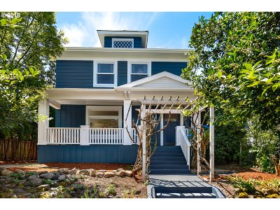 Portland Single Family Home For Sale: 1803 SE 34th Ave