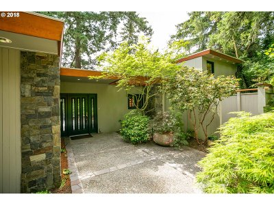 Lake Oswego Single Family Home For Sale: 1810 Northshore Rd
