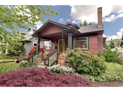 Single Family Home For Sale: 1445 SE Division St
