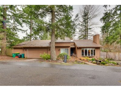 Portland Single Family Home For Sale: 6703 SW Taylors Ferry Rd