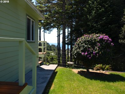 Gold Beach OR Single Family Home For Sale: $315,000