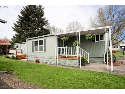 Eugene Single Family Home For Sale: 1475 Green Acres Rd Space #115