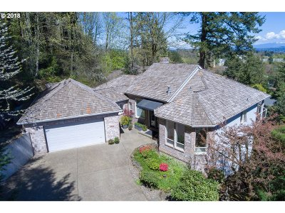 Lake Oswego Single Family Home For Sale: 2095 Ridge Pointe Dr