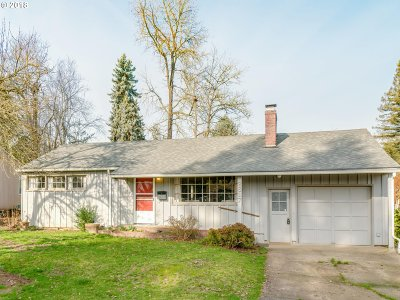 Forest Grove Single Family Home For Sale: 2617 13th Ave