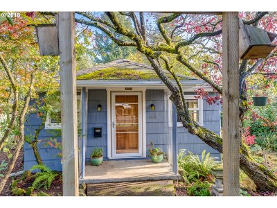 Milwaukie Single Family Home For Sale: 12650 SE 23rd Ave