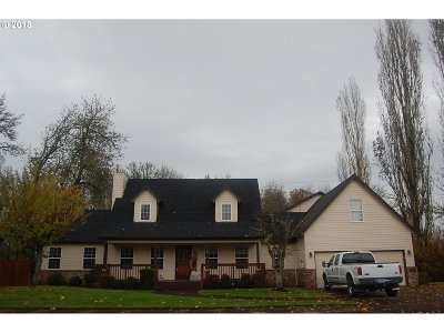 McMinnville Single Family Home For Sale: 1388 NW Meadows Dr
