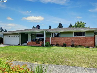 Portland Single Family Home For Sale: 327 NE 169th Ave