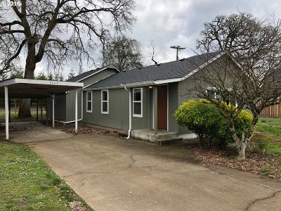 Salem OR Single Family Home For Sale: $215,000