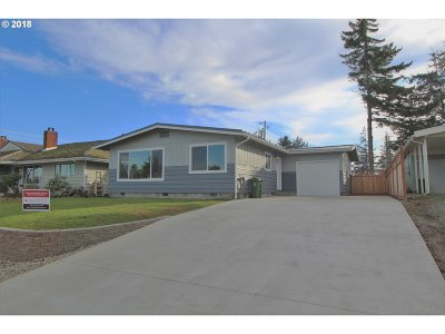 North Bend Single Family Home For Sale: 2175 State