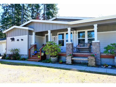 Gold Beach OR Single Family Home For Sale: $399,900